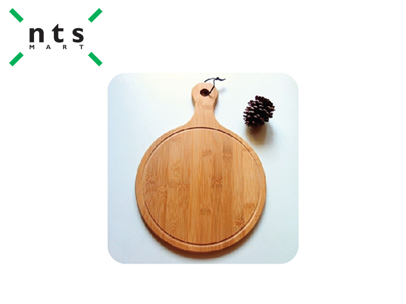 OAK ROUND PIZZA BOARD WITH HANDLE